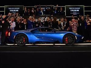 Ford GT 2017 #1 fue subastado en $2.5 millones de dólares