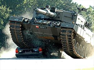 Video: Estos holandeses desafían a la muerte con un tanque Leopard 2