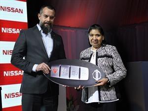 Nissan entregó una Frontier a Margarita Barrientos