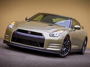 Nissan nos tienta con muchas fotos del GT-R 45th Anniversary Gold Edition