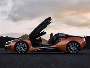El BMW i8 se quita el techo en Los Ángeles