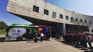 Museo MIM y BYD estrenan bus eléctrico con servicio de transporte gratuito a organizaciones sociales