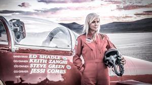 Jessi Combs muere al intentar superar récord de velocidad en un auto-jet