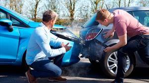 Así debes actuar en caso de tener un accidente con tu carro