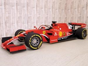 Este es el impresionante Ferrari F1 de cartón