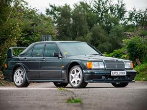 A subasta un inmaculado Mercedes-Benz 190 E EVO II