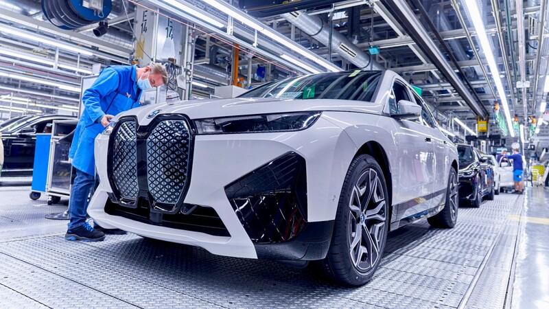 BMW trabaja con un compositor de Hollywood para mejorar el sonido de los autos eléctricos