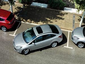 Ford Focus 2013: Ahora se estaciona solo