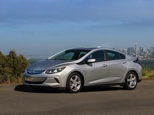 Chevrolet Volt 2019 mejora su tiempo de recarga