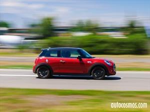 Mini Driving Experience 2016, estilo y velocidad sobre la pista