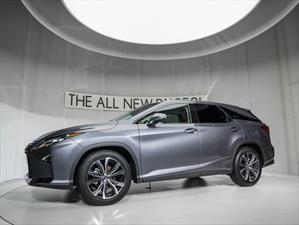 Lexus lanza en Chile la versión larga del SUV RX