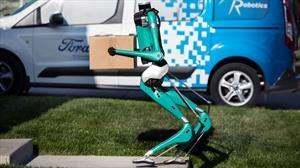 Robots complementarán las entregas de los vehículos autónomos de Ford