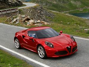 """Alfa Romeo 4C es el """"Auto Playboy del Año 2014"""""""