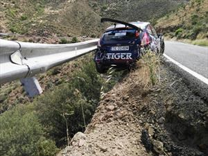 Espectacular accidente en el Campeonato Europeo de Rally