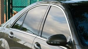Por qué es importante el polarizado en las ventanillas de los automóviles