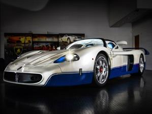 Maserati MC12 cuesta 1 millón de dólares