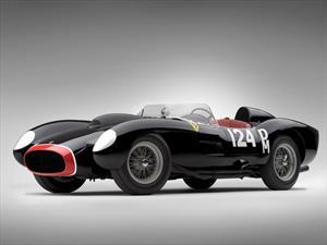 Subastan una Ferrari 250 Testa Rossa de 1957 en USD 39.8 millones