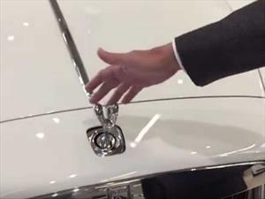 Esto pasa si tratás de robar el emblema de un Rolls-Royce