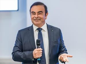 Carlos Ghosn, ahora también afuera de Renault