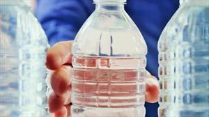 Ford recicla 1.200 millones de botellas plásticas al año para piezas de autos