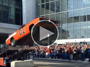 Video: el General Lee salta en vivo en Detroit