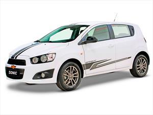 Chevrolet Chile presenta series especiales de los Spark GT y Sonic 2015