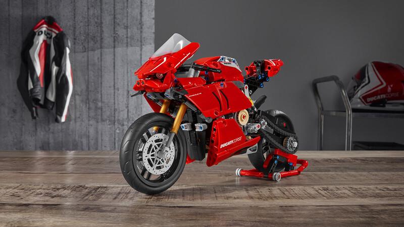 Esta es la Ducati Panigale V4 R de Lego