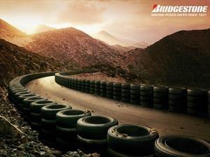 Bridgestone recibe el Contribution Award de Toyota