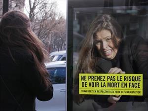 En Francia asustan a los peatones que cruzan mal