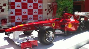 Ferrari 2011 de Fernando Alonso está en Parque Arauco