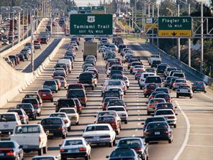 Mueren más estadounidenses por contaminación que por accidentes automovilísticos