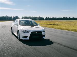 Mitsubishi Lancer Evolution X en pista