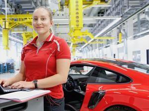 Porsche emplea más de 32.000 personas, inédito para su historia