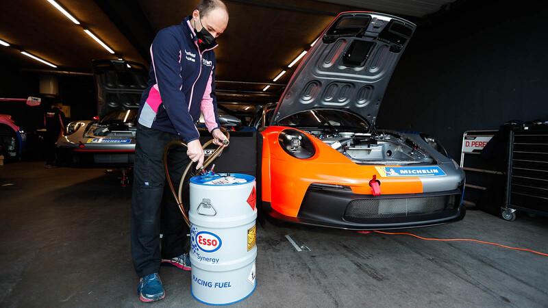 ExxonMobil y Porsche ya estan probando el combustible ecológico que fabricarán en Chile