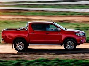 Toyota Hilux ¿por qué se dice que es indestructible?