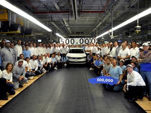 Volkswagen Passat número 500,000 sale de la planta de Chattanooga