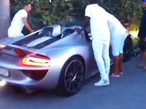 Video: Chocan un Porsche 918 Spyder