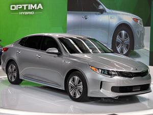 Kia Optima Hybrid Plug-in 2017 ofrece 965 Km de autonomía