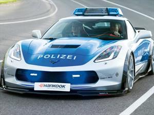 Chevrolet Corvette por Tune It Safe, una patrulla intimidante