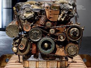 Motor V12 Mercedes-Benz hecho de madera y fósiles