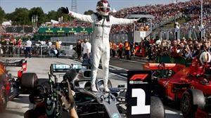 F1 2019: Hamilton gana Hungría con acertada estrategia de neumáticos