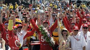 Darío Franchitti tomó leche por tercera vez al ganar la Indy 500