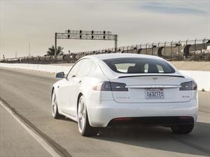 Video: El día que un Tesla Model X hizo morder el polvo a un Lamborghini Aventador SV