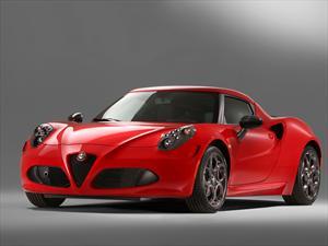 Alfa Romeo 4C recibe premio al mejor carro deportivo 2013