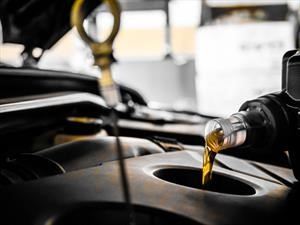 Estos son los cuidados que debes tener con el aceite de tu carro