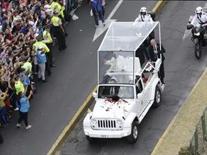 Jeep Wrangler se convierte en Papamóvil
