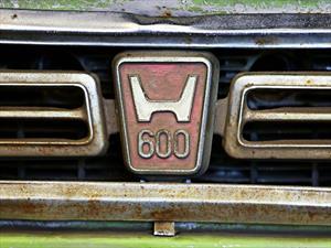 Honda restaura el primer auto vendido en Estados Unidos