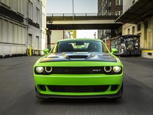 Dodge Challenger SRT Hellcat 2015 tiene un precio de 59,995 dólares