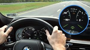 Automovilistas no confían en el sistema de mantenimiento de carril, según un estudio