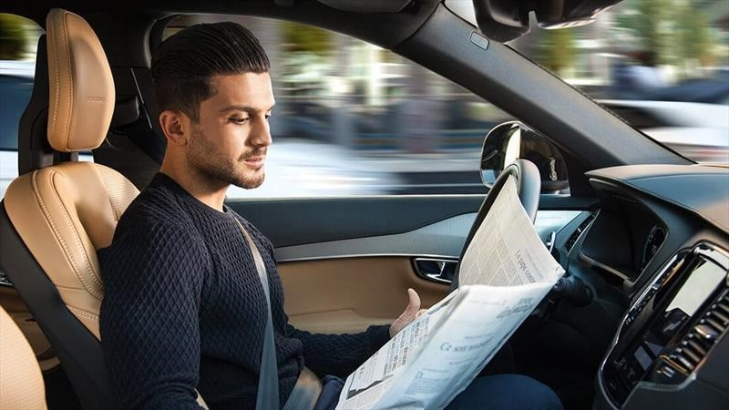 Volvo tendrá conducción autónoma en su próxima generación de autos